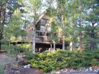 Mountain Chalet: Visit Sedona, Grand Canyon, Meteor Crater, Petrified Forest.