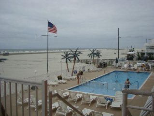 Newly Renovated Oceanfront Condo, Sleeps 6
