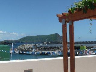Ocean Front- Studio & Balcony