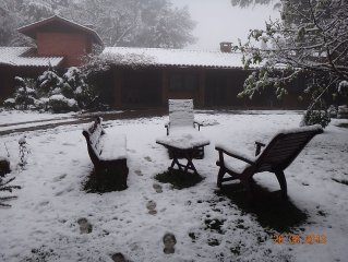 CASA GOLDONI GRAMADO  1600 m2  jardim proximo ao lago negroWHATS +*************