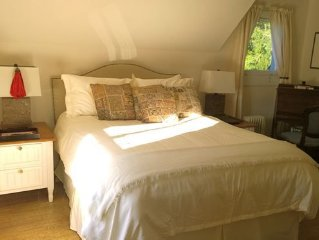 Charming, Luxurious, Artist Owned Century Old Cottage In Langley On Whidbey