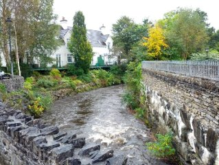 A luxury Kenmare townhouse offering exceptional hospitality for 6/7 guests