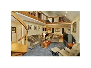 5 Bedroom 3 Bathroom 3400 Sq. close to the ski mountains & Story Land