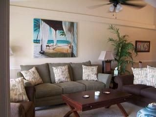 Close to beach,great shopping and restaurants with golf across the street