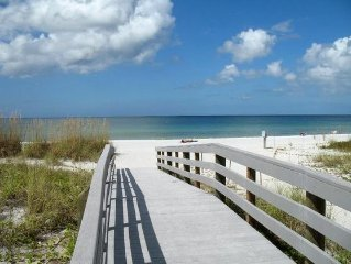 Minuntes to Beaches - Gated Community - 3 Bedrooms & 2 Baths