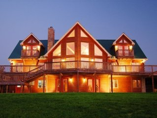 Luxury Log Home on Secluded 18 Acres! Perfect for large families and retreats