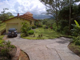 Spectacular view, convenient to attractions of Monteverde and Arenal Volcano