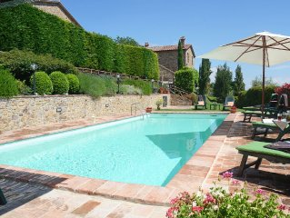 PRIVATE TUSCAN VILLA WITH A/C AND SWIMMING POOL!!! / 4-6-8people