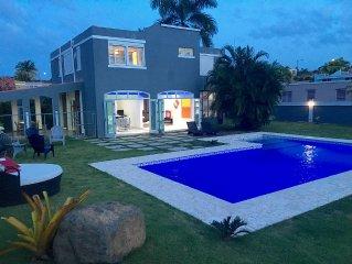 Beautiful Villa, private pool by Rainforest & Luquillo Beach, great huge garden