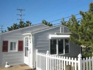 Ocean Beach Family Rental, 350ft to bch, sleeps 8, 4 cars