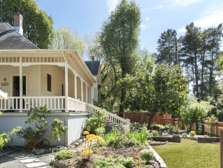 'Yesteryear' Timeless Riverfront Beauty With Excellent Location