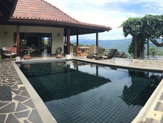 Bali-Home w/View, Privacy,Pool, Wifi, BBQ, Near Beach/Waterfall/Ziplng, Volcano