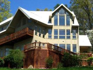 Czarnecky Home - Waterfront Home in Deerfield Resort on Norris Lake