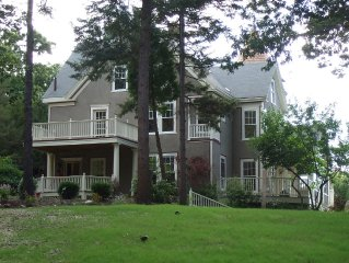 Beautiful House, Boutique Conference Center And Guest Quarters
