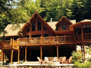 Lakefront Log Home, Private, 4  Bedroom, 3 Bath, Mountains, Peaceful, Waterfront