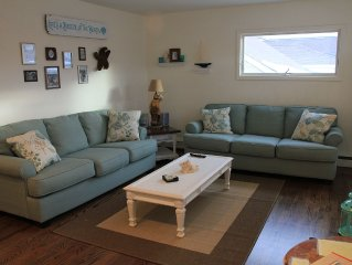 Beautiful 5 Bedroom Beach House -- Sleeps 12