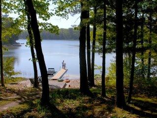 Lake Home.Family Fun. Kayaks.SUP.Pontoon Paddle Boat.Fishing.Smart TV.Free WiFi