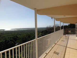 Modern 2 story house with amazing Carribean views!