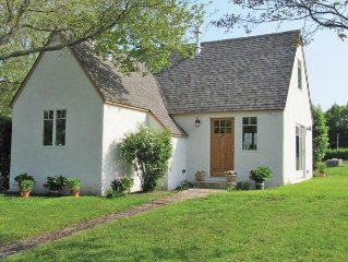 Charming Montauk Cottage, Newly Renovated- Rental Registry 16-63