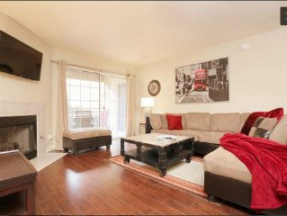 Charming 2 BR/2 BA Summerlin Luxury Condo close to everything