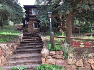 Beautiful Old Log Cabin in Green Mountain Falls Colorado