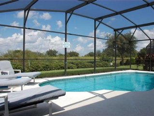 Autumn Dream Villa, Private Pool,10 Minutes to Disney, 5 Star Rated Property