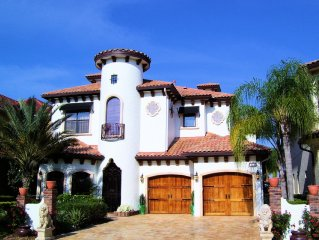 Beautiful Sunset Cove, Pool With Waterfall! Outdoor Kitchen! Must See Video!