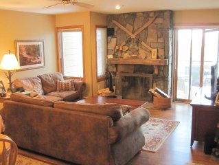 2BD/2BA Ski-in/Ski-out Condo at Mountain Watch