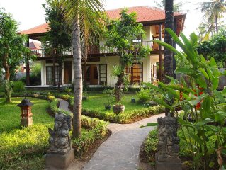 Stylish and cosy 2 story villa in lush tropical garden with privat pool