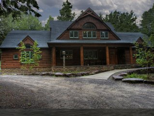 Rustic Cabin with elegance on 100 acres with 15 acre private lake