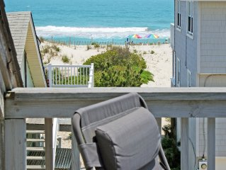 Beach house 1 off ocean front, sleeps 12 - 14, parking for 3 - 4 cars, linens