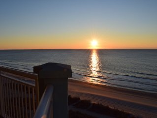 Luxury 5BR/4BA Oceanfront Condo With Spectacular Views, Jacuzzi, 3 Pools