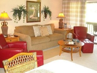Cozy Condo on 18 fairway of No. 3 just across from Pinehurst Clubhouse!