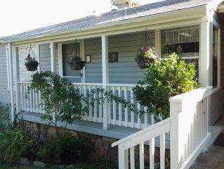 Minutes to Yosemite, 2bd/1ba, pet friendly, WiFi, close to food, shops & museums