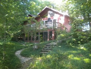 4 Bdrm Beach-Front Home on Traverse Bay! Fire Pit, September Discounts!