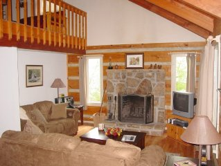Beautiful Secluded Mountain Log Home 7 mins from Pigeon Forge