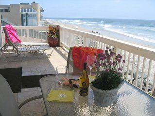SPRING 20% Discount for a Week Stay ~ Luxury Beachfront Condo, Private Deck