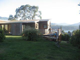 Exclusive Hood River Rental - The Best House, View, Location