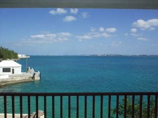 Waterfront 2 Bedroom Cottage, Access to Private Beach