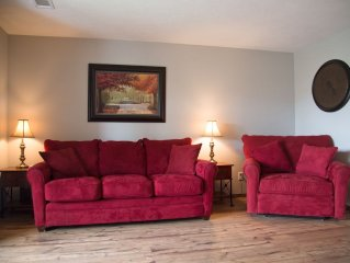 Pointe Royale ~ Getaway ~ Near Clubhouse Pools ~ Free Wi Fi
