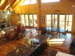 Mountain Creek Lodge -25 Acres, PET FRIENDLY, Amazing Mountain Views
