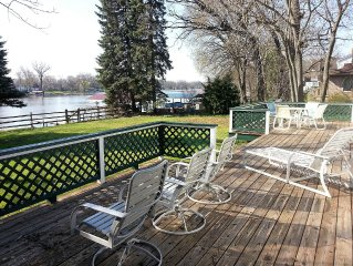 Fox River Resort Home--View, Location, 100 ft. River Frontage, Best Rates