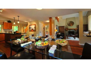 Luxury cottage * Cultus Lake South - A stunning family oriented resort community