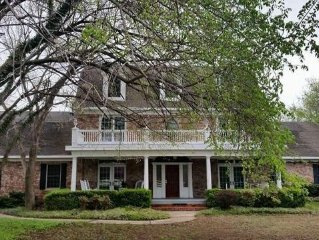 Beautiful 3 story Colonial home Sleeps 14
