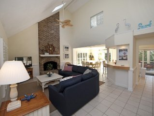 Charming, Family-friendly, 4br/ba Beach House Just Steps From The Beach!
