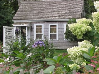 Idyllic, Beautiful and Peaceful Getaway for 2- Historic Route 6A, Cape Cod