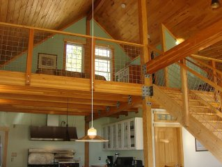August Specials...Sleeping Bear Dunes & Wine Country...6 mi to Lake Mich...WiFi