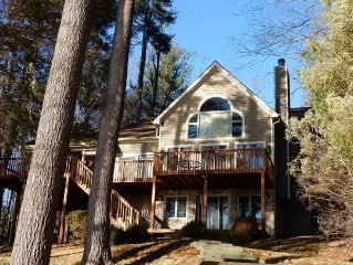 Spectacular Sunsets On Lake Wallenpaupack - 4 Bedroom 4 Bath House with Dock
