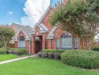 Entire Home in West Plano, 3 Bed, Modern and Luxury! Near Richardson, DART.