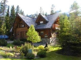 Mountainside Log Chalet at Fernie Alpine Resort